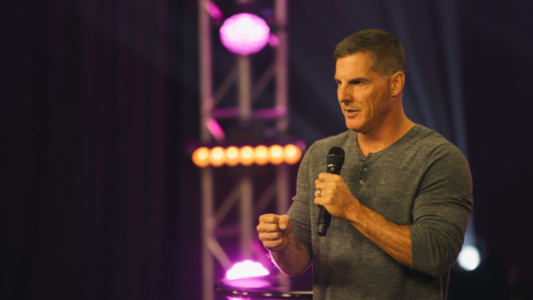 16 Craig Groeschel Tweets from 2016 That Will Make You Pumped For 2017